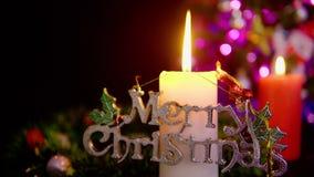 Materiał filmowy dwa świeczek palenie wesołych Świąt zbiory wideo