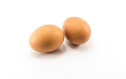 Materia prima de la comida, huevo fresco En el fondo blanco Imágenes de archivo libres de regalías