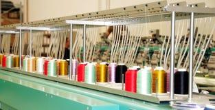 Materia textil: Máquina industrial del bordado Fotografía de archivo libre de regalías
