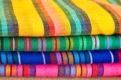 Materia textil mexicana colorida Fotografía de archivo libre de regalías