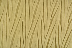Materia textil sintética arrugada de oro amarilla, poliéster arrugado fotos de archivo