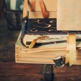 Materia vieja, cajas con las memorias, entonadas Foto de archivo libre de regalías