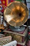 Materia vieja en el mercado de pulgas. Imagen de archivo libre de regalías