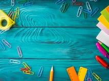 Materiały miejsca pracy kolorowa szkolna rama Zdjęcie Stock