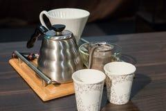 Materiaal om handfilterkoffie te maken Stock Afbeeldingen