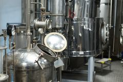 Materiaal voor de distillatie van alcohol royalty-vrije stock foto