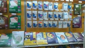 Materiais de escritório que vendem na loja Fotos de Stock