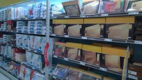 Materiais de escritório que vendem na loja Fotografia de Stock
