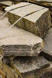Material da alvenaria de pedra no canteiro de obras imagem de stock