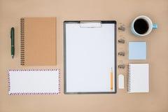 Material de escritório de estacionário na vida quotidiana, trabalho do plano Fotografia de Stock