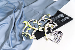 Material för klänningar och att anpassa mallar och designer Arkivbilder