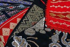 Material och broderad rumänsk traditionell 1 Arkivbild