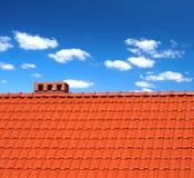 Material para techos-azulejos rojos Fotos de archivo libres de regalías