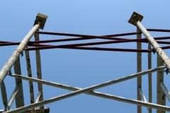 Material till byggnadsställning i konstruktionslokal Arkivbild