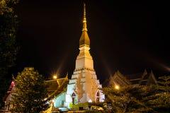 Materiale illustrativo buddista di architettura dentro alla notte Fotografia Stock