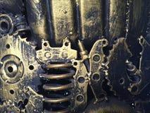 Materiale illustrativo del metallo dell'artigianato dai pezzi di ricambio usati I residui parte, ingranaggi del metallo, automobi Immagini Stock Libere da Diritti
