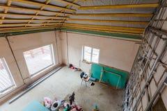 Materialen voor reparaties en hulpmiddelen om binnenland van huisflat te remodelleren dat onder het remodelleren, vernieuwing, ui royalty-vrije stock afbeeldingen