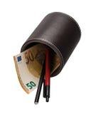 Materiales euro del billete de banco y de escritura en un tenedor de cuero Foto de archivo