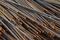 Materiali da costruzione d'acciaio torti Immagine Stock Libera da Diritti
