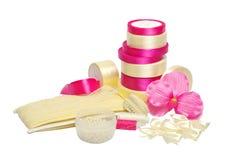 Materialien und Ausrüstung für Näharbeit und das Nähen Stockfoto