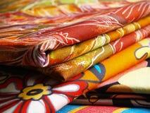 Materias textiles coloreadas Fotografía de archivo libre de regalías