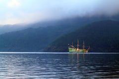 Materielbild av sjön Hakone, Japan Arkivfoto