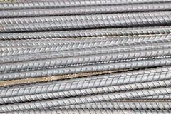Materielfoto - konstnärliga stålstänger closeup, förstärkning på konstruktionsplats, arkivfoto