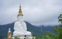 Materielfoto - Phasornkaew tempel i Thailand Royaltyfria Bilder