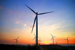 Materielfoto - vindkraft på solnedgången royaltyfri foto