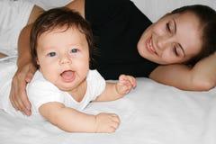 Maternidad feliz Imagenes de archivo
