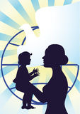 Maternité et enfance heureux Photo stock