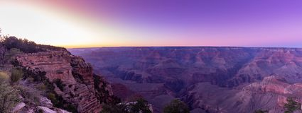 Mather siktspunkt av Grand Canyon under solnedgångtid, Arizona royaltyfri foto