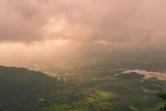 Matheran verde fertile durante il monsone Fotografia Stock