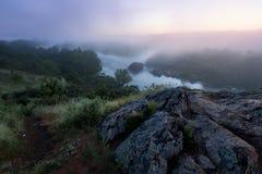 Matin brumeux de fleuve Photographie stock libre de droits