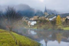 Matin brumeux en Belgique image libre de droits