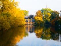 Matin d'automne à Bruges au lac de l'amour Photo libre de droits