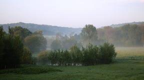 Matin d'automne au-dessus des sud Limbourg de pays de colline Images stock