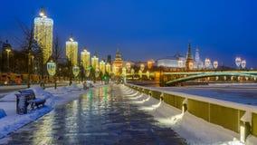 Matin d'hiver sur le remblai et Moscou Kremlin de Kremlin Images stock