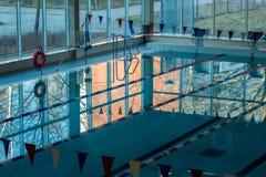 Matin dans la piscine Photos libres de droits