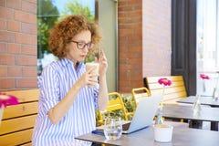 matin dans le café Photographie stock libre de droits