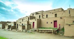 Matin dans le pueblo de Taos banque de vidéos