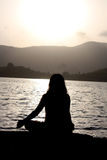 matin de méditation photographie stock