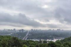 Matin de ressort au-dessus de rivière de Dnieper Photographie stock libre de droits