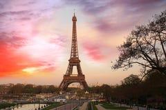 Matin de Tour Eiffel au printemps, Paris, France photo stock
