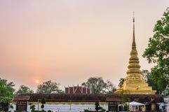 Matin de Wat Phra That Chae Haeng. Image libre de droits
