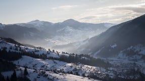 Matin en montagnes images libres de droits