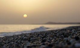 Matin mystique de mer sur la plage Photographie stock libre de droits