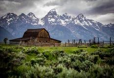 Matin orageux au-dessus de rangée mormone photos libres de droits