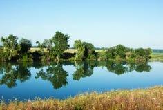 Matin sur un lac, été Photo libre de droits