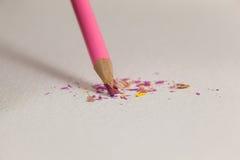Matita colorata rosa con la punta rotta Fotografie Stock